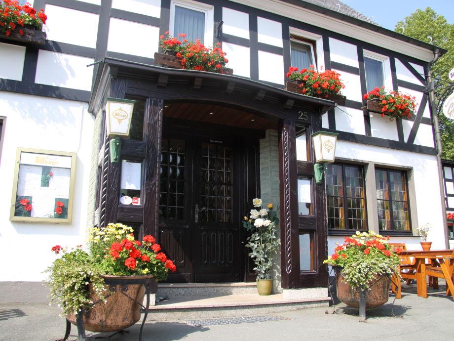 Eingang Landgasthof Gilsbach