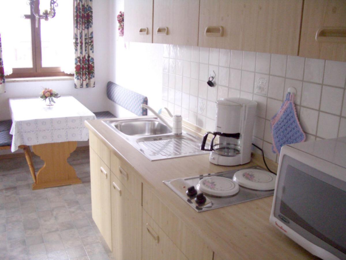 ferienwohnung landhaus lenz garmisch partenkirchen frau margit gillmeyer. Black Bedroom Furniture Sets. Home Design Ideas