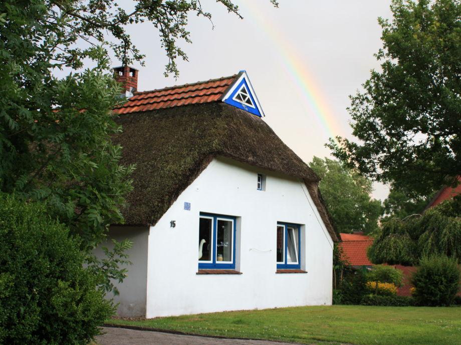 """Im über 200 Jahre alten Reetdachhaus """"is Freetied"""" ..."""