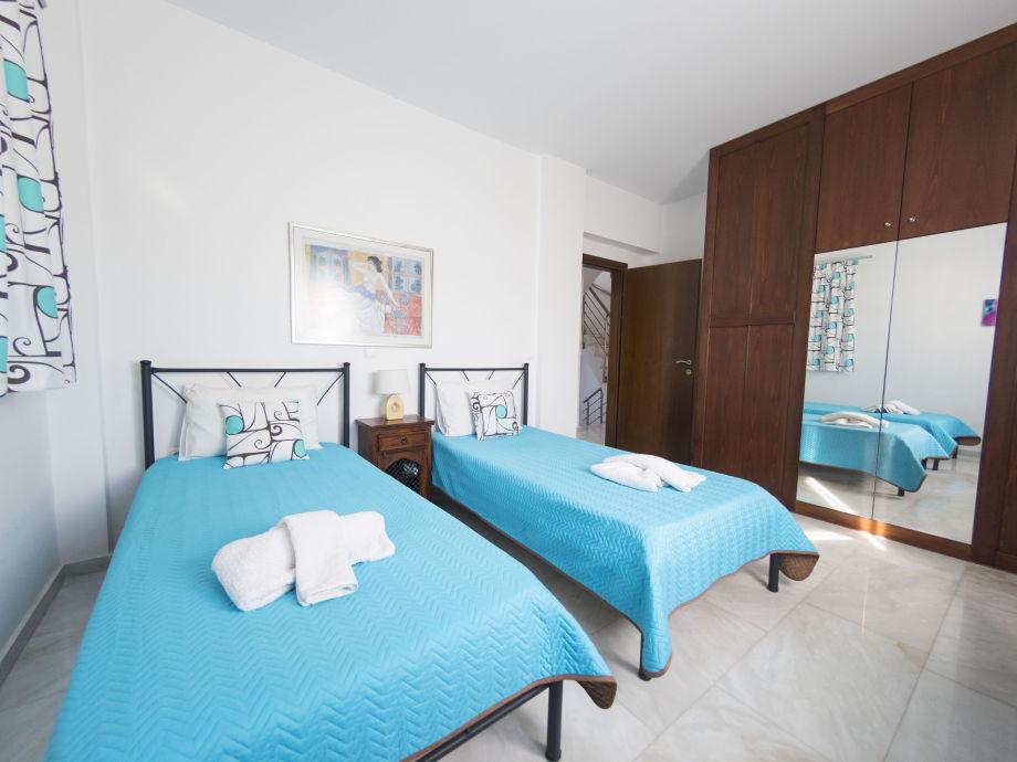 Traum schlafzimmer mit pool  Jannis Ferienhaus mit Pool, Rhodos - Frau Martina Becker-Lips