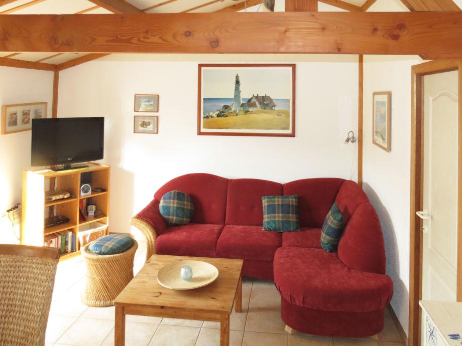 Wohnzimmer mit LED-Fernseher