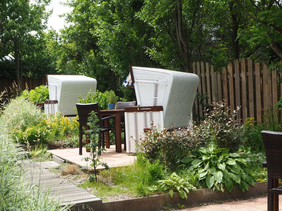 einzelne Terrassen im Garten