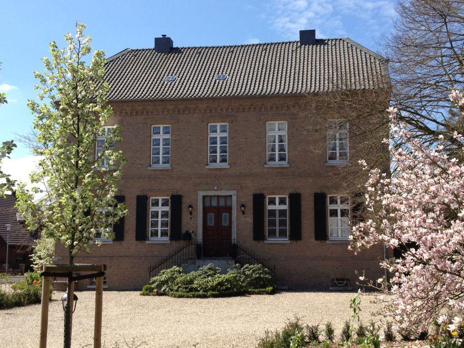 Timmermannshof im Frühling