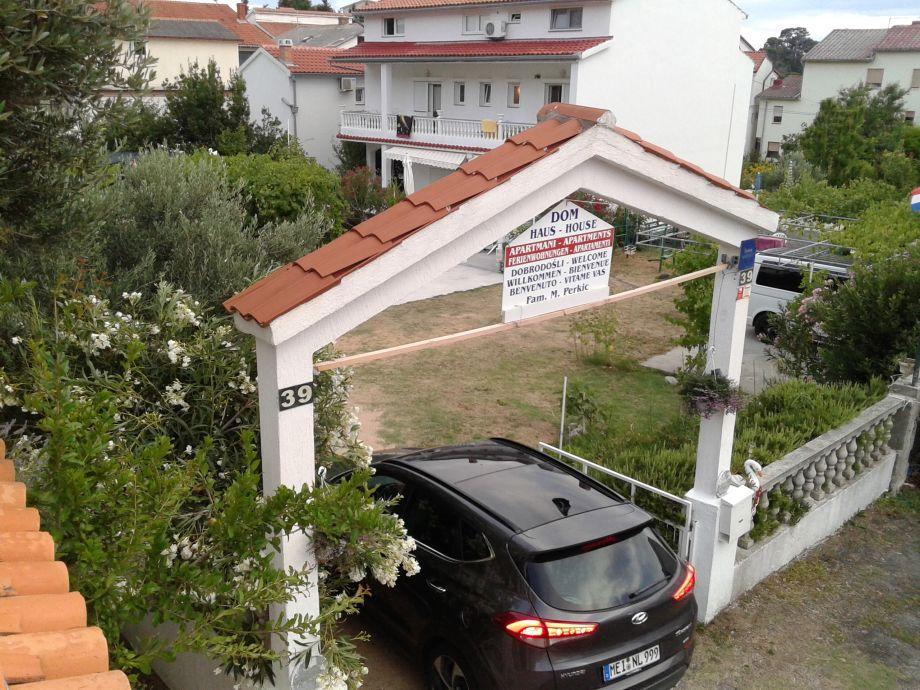 Ferienhaus mit Garten 2 Wohnungen