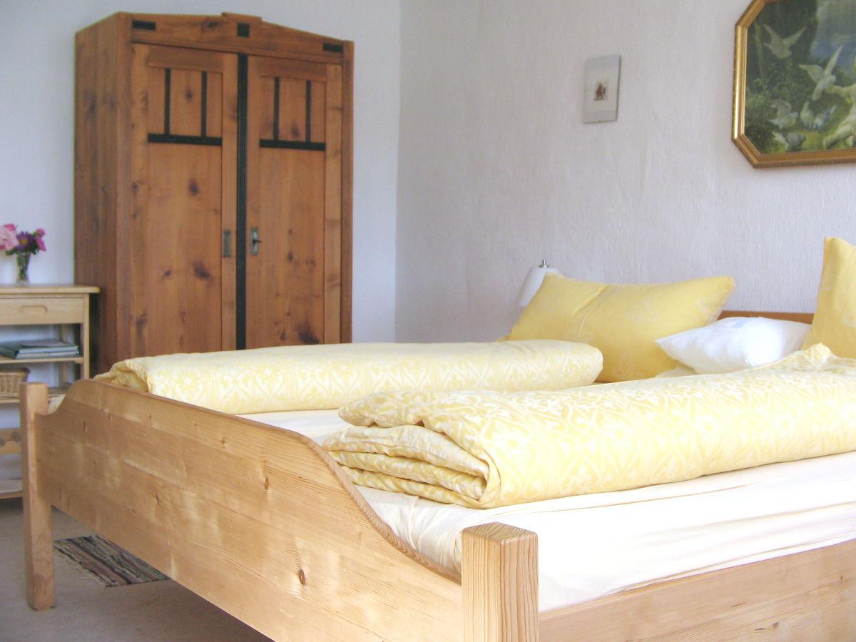 bauernhof veit sepp hof ferienwohnung die kleine schnucklige drachselsried frau rosina geiger. Black Bedroom Furniture Sets. Home Design Ideas