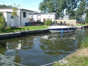 Ferienhaus Erlebnisurlaub am und auf dem Wasser D50- Chaletpark de Brekken-strandnah