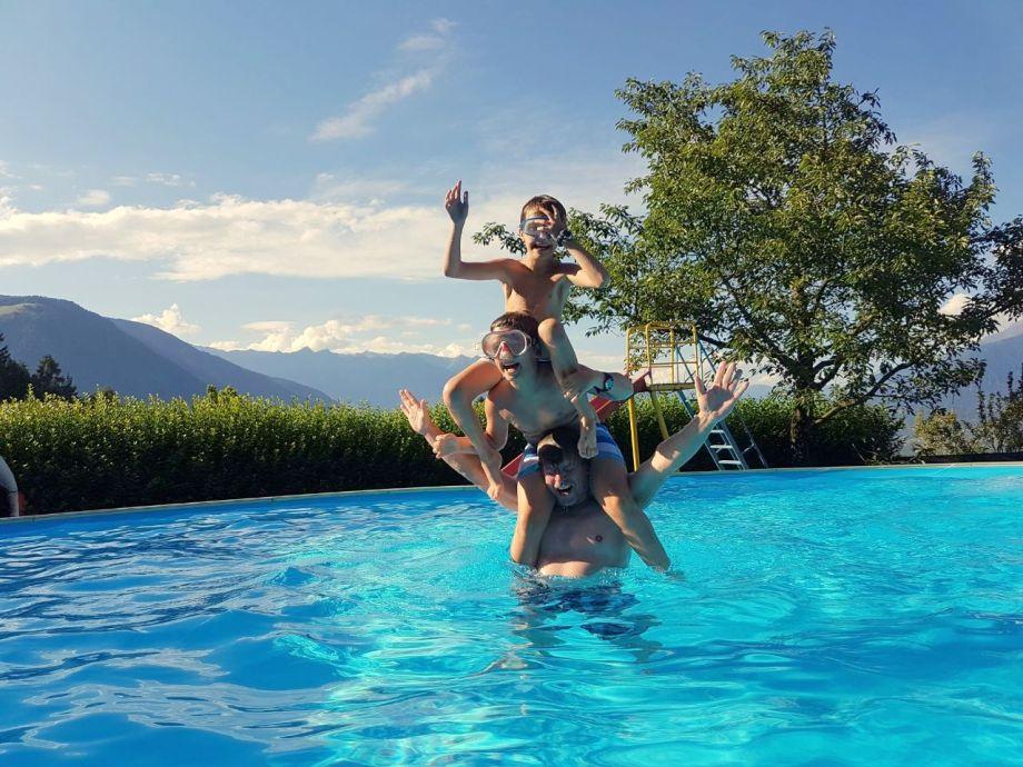 6×9m Schwimmbad mit blick über das gesamte Etschtall