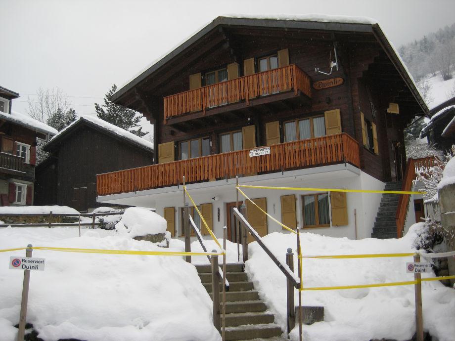 Chalet Duinli im Schnee vergraben