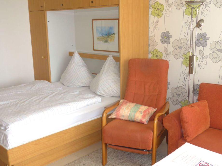 Der Wohn/Schlafraum mit Doppelbett