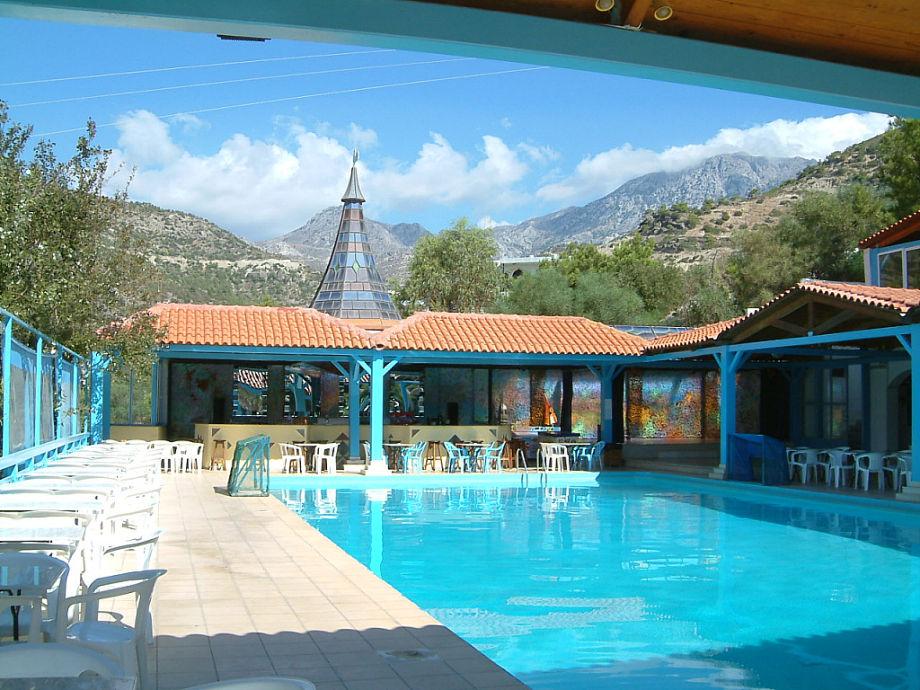 Pool und Poolbar des Eden Rock Hotels, Insel Kreta