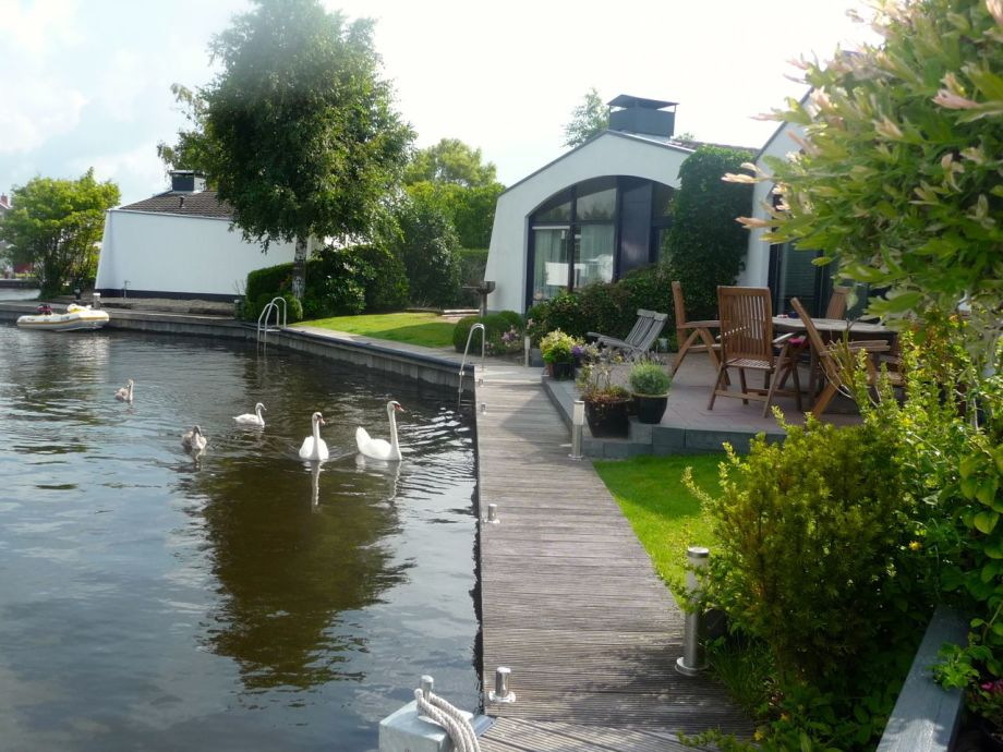 Aquaronde Ferienhaus mit Bootssteg
