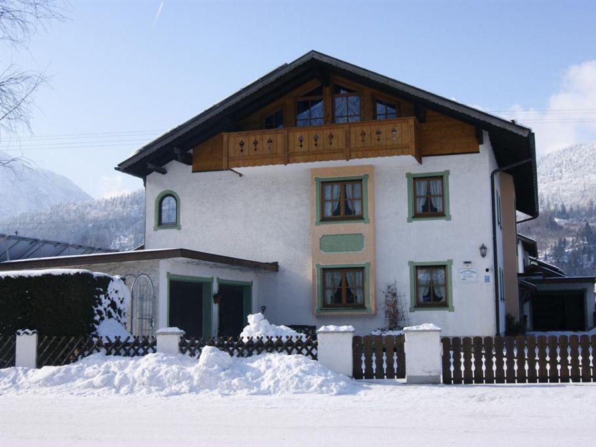 """Ferienwohnung """"Zugspitzblick"""" im Hause Kundler Farchant"""
