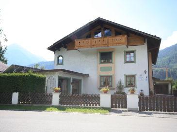 """Ferienwohnung """"Zugspitzblick"""" im Hause Kundler"""