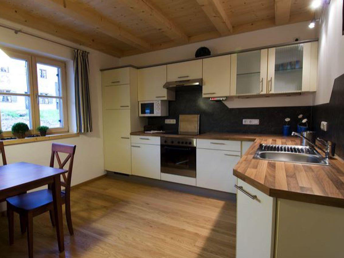 ferienwohnung blau ferienhaus ammergau ammergauer alpen frau christine gaida. Black Bedroom Furniture Sets. Home Design Ideas