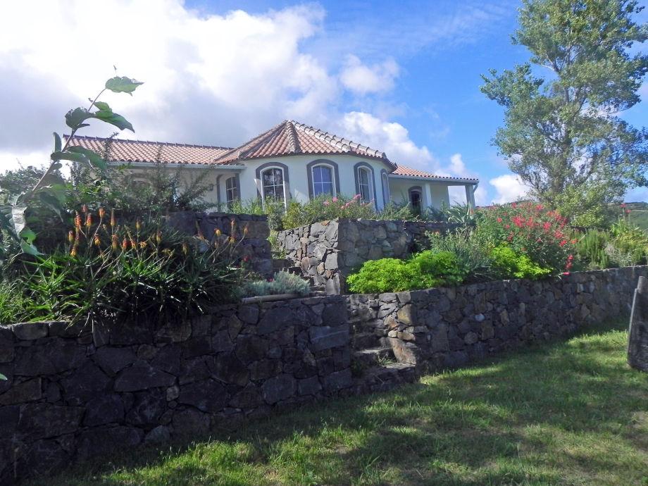 ferienhaus villa ponta da caveira portugal azoren firma outdoor reisecenter gmbh herr karl. Black Bedroom Furniture Sets. Home Design Ideas