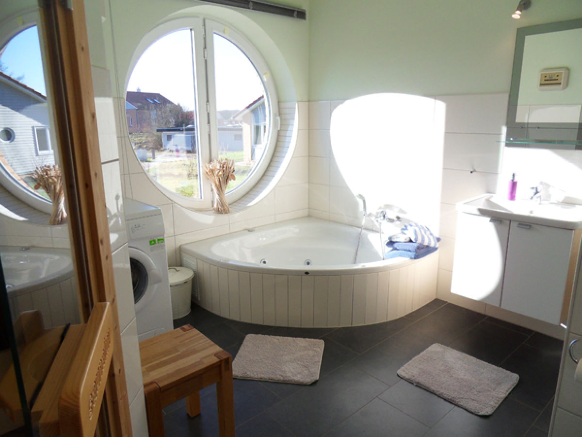 Luxus ferienhaus windrose an der schlei ostsee kosel firma maritimer urlaub frau marina wahl - Sauna whirlpool ...