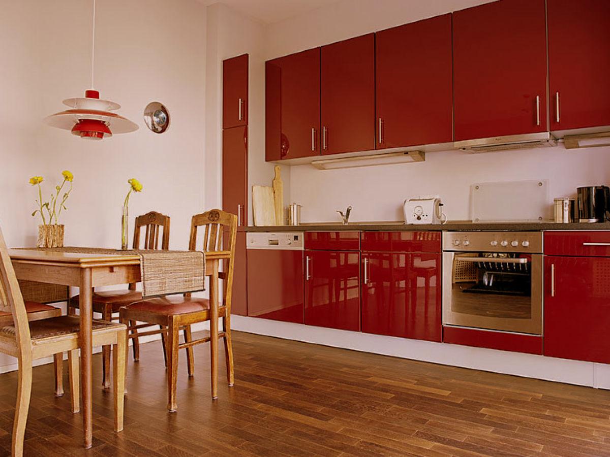 stilvolles zwei zimmer apartment in der sternschanze hamburg altona mitten in der sternschanze. Black Bedroom Furniture Sets. Home Design Ideas