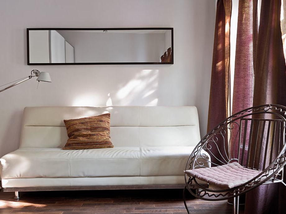Stilvolles zwei zimmer apartment in der sternschanze for Schlafsofa mit matratze 160x200
