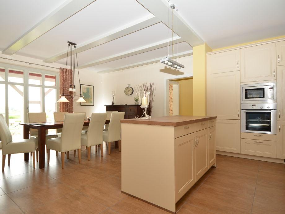 gemeinsam in der gro en k che kochen und genie en. Black Bedroom Furniture Sets. Home Design Ideas