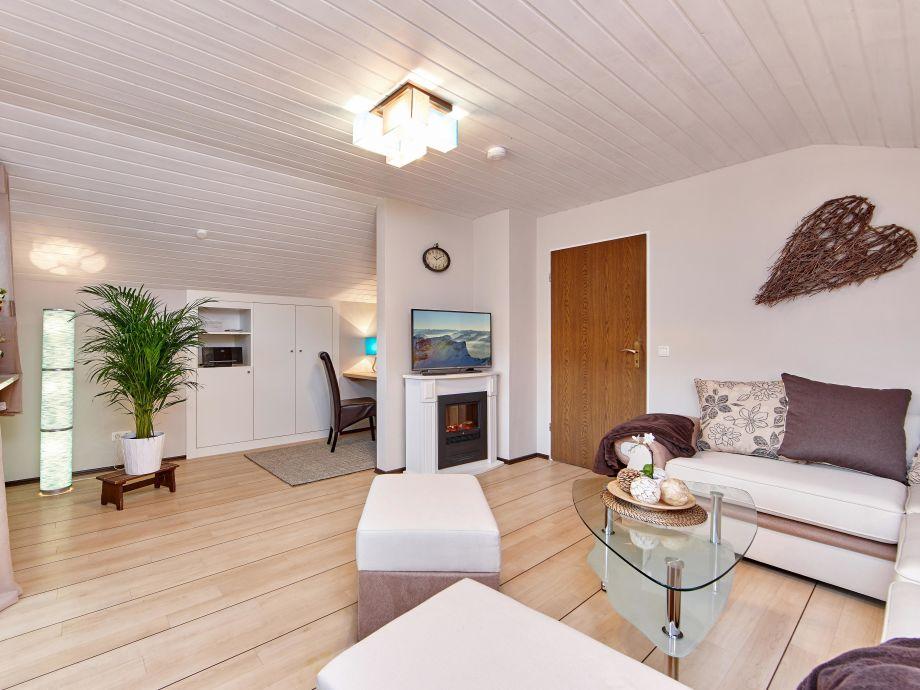 ferienwohnung gipfeltreffen farchant bei garmisch partenkrichen frau josefine reiser. Black Bedroom Furniture Sets. Home Design Ideas