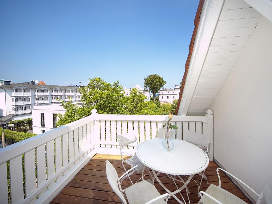 ferienwohnung nr 7 villa aesculap binz r gen frau. Black Bedroom Furniture Sets. Home Design Ideas