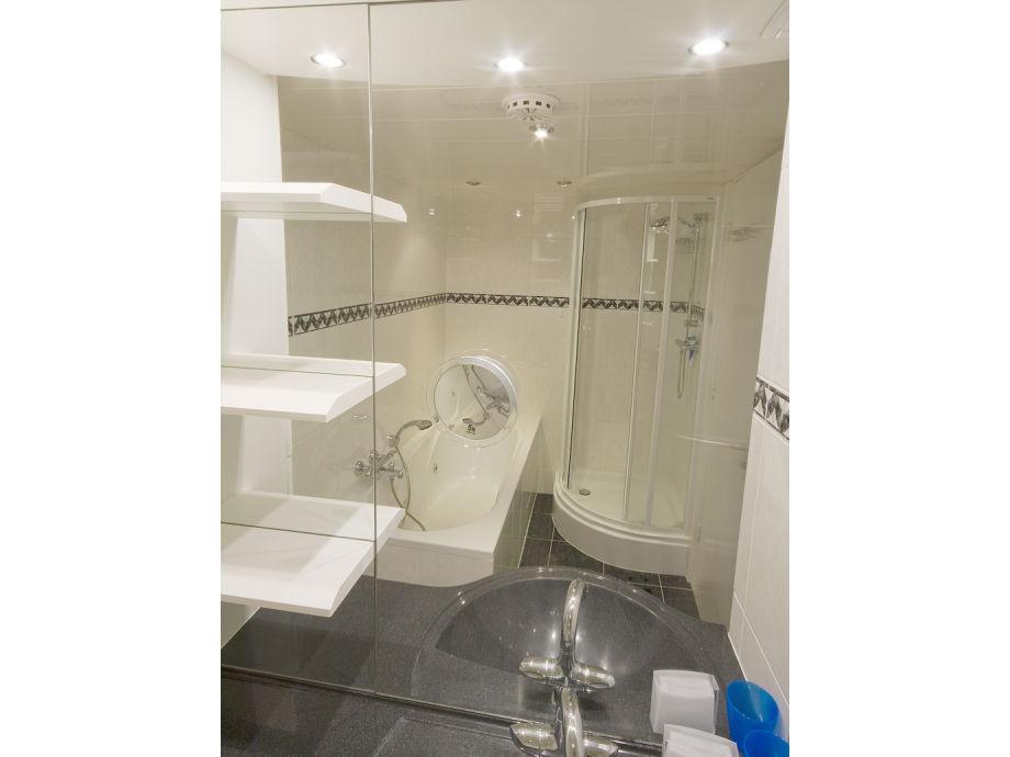 Apartment terrasflat 358 nord holland egmond aan zee for Badezimmer mit dusche und wanne