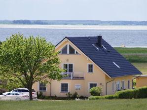 """Ferienwohnung """"Am Achterwasser"""""""
