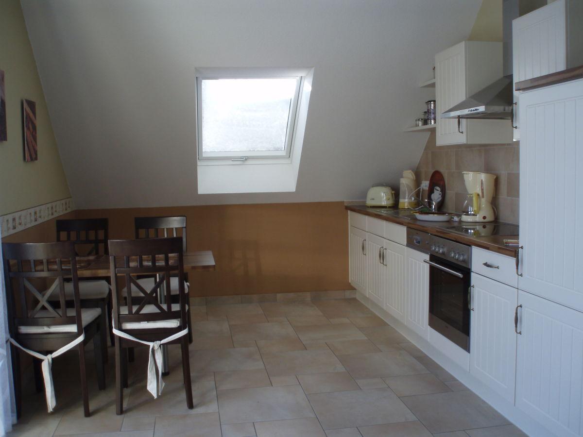 ferienwohnung kleine spree wohnung im dachgeschoss burg im spreewald firma burger spree. Black Bedroom Furniture Sets. Home Design Ideas