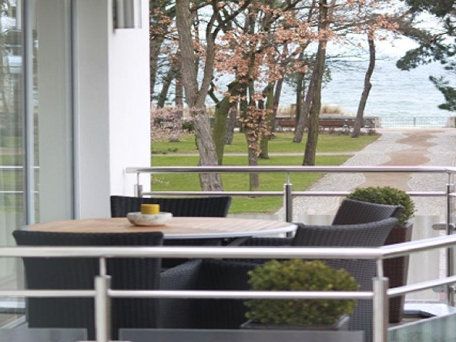 Der Balkon der Ferienwohnung mit Meerblick