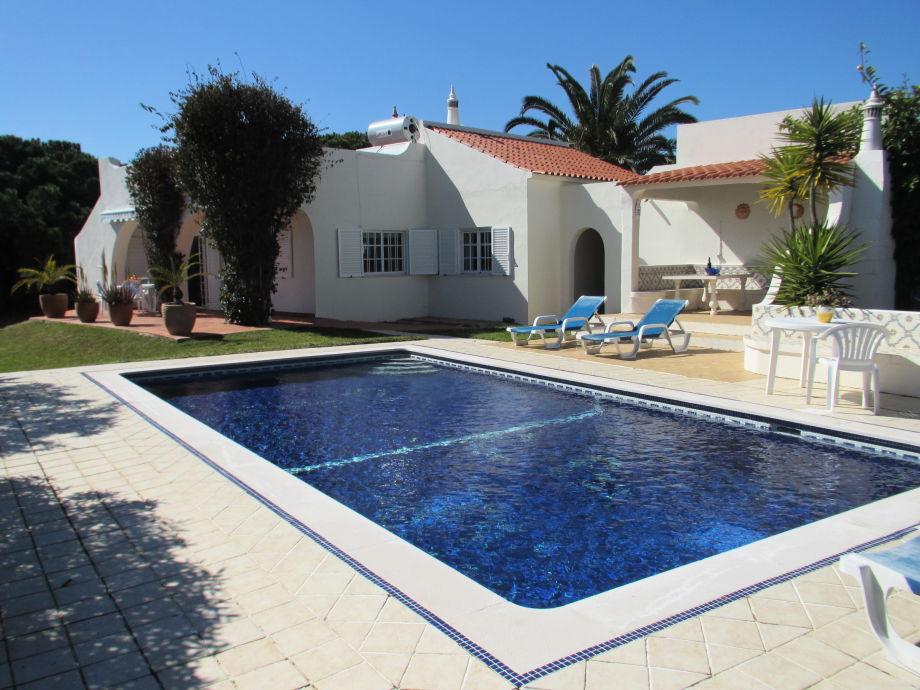 Casa mit Pool, Meerblick und Garten