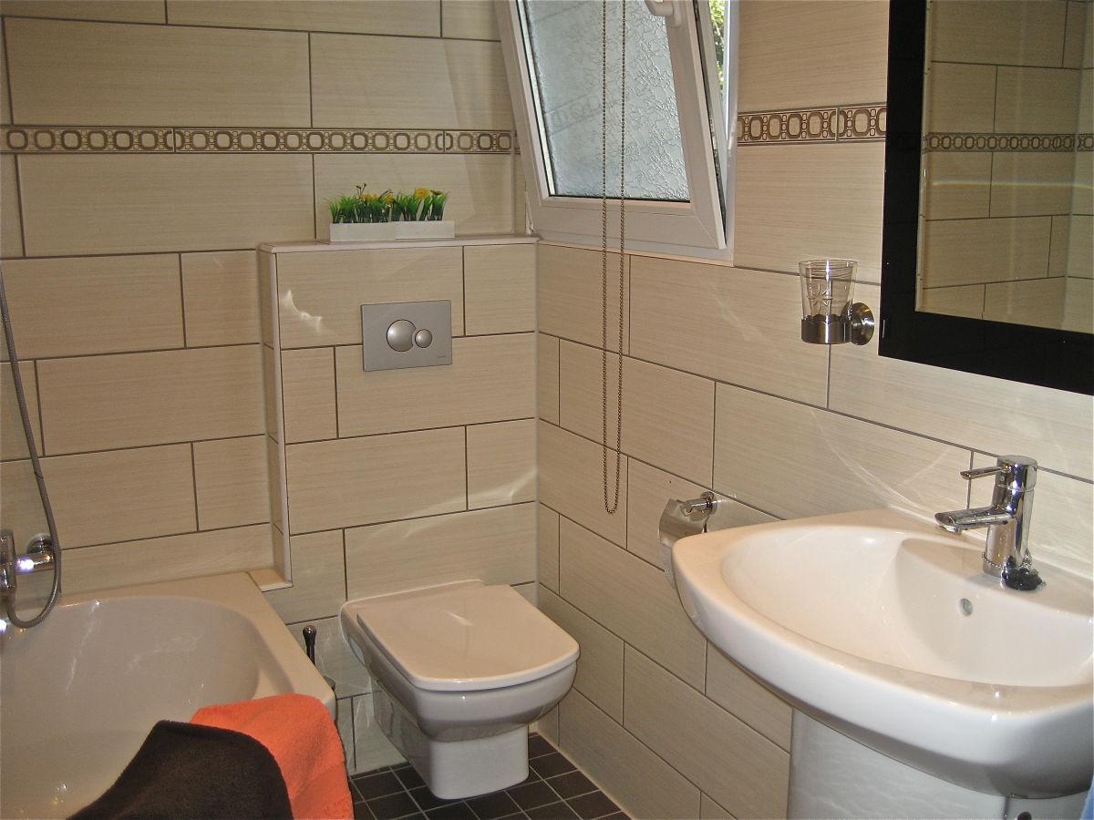 badezimmer mit eckbadewanne raum und m beldesign inspiration. Black Bedroom Furniture Sets. Home Design Ideas