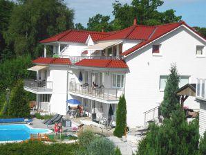 Ferienwohnung Villa Vogelsang 22 mit Schwimmbad und Kamin