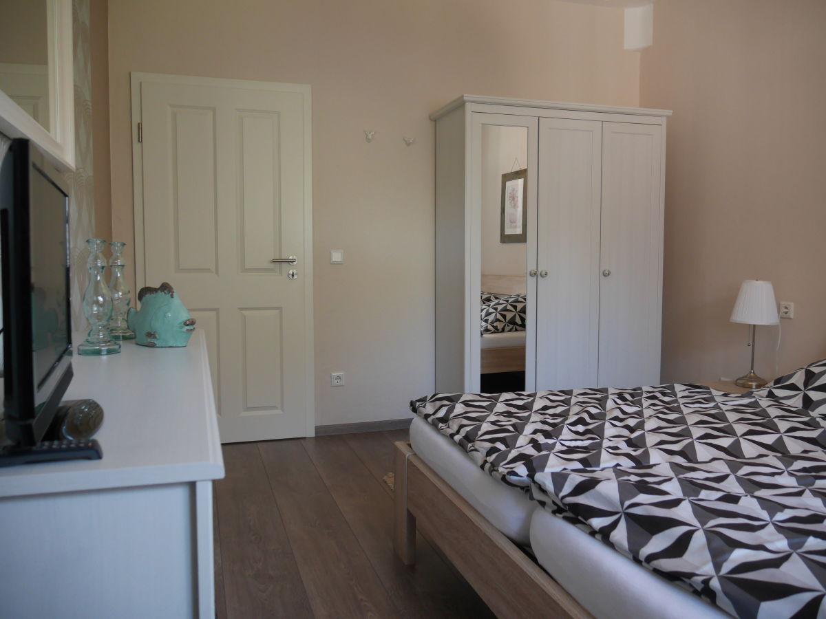 schlafzimmer mit tv ~ speyeder = verschiedene ideen für die, Schlafzimmer entwurf