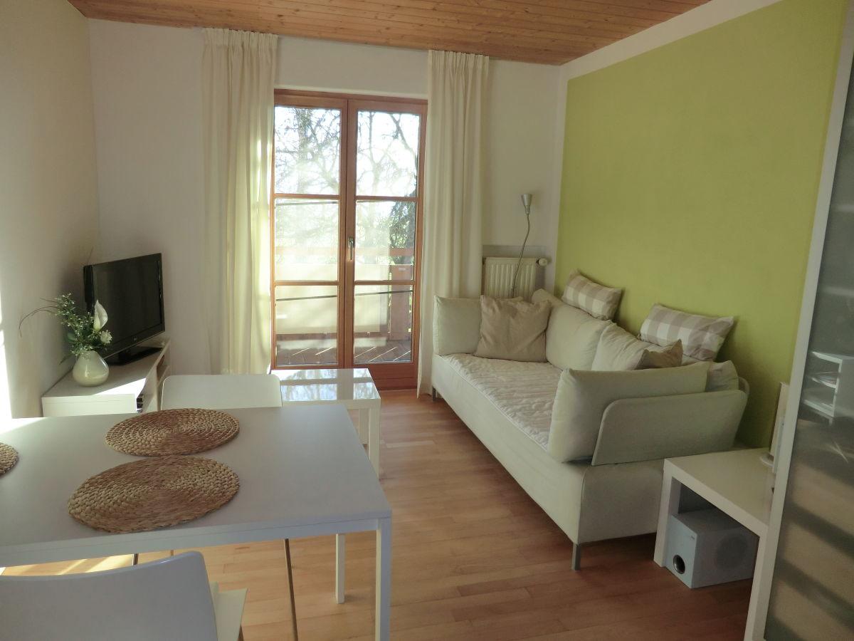 Ferienwohnung seeberg oberbayern blaues land garmisch for Wohnzimmer mit esstisch