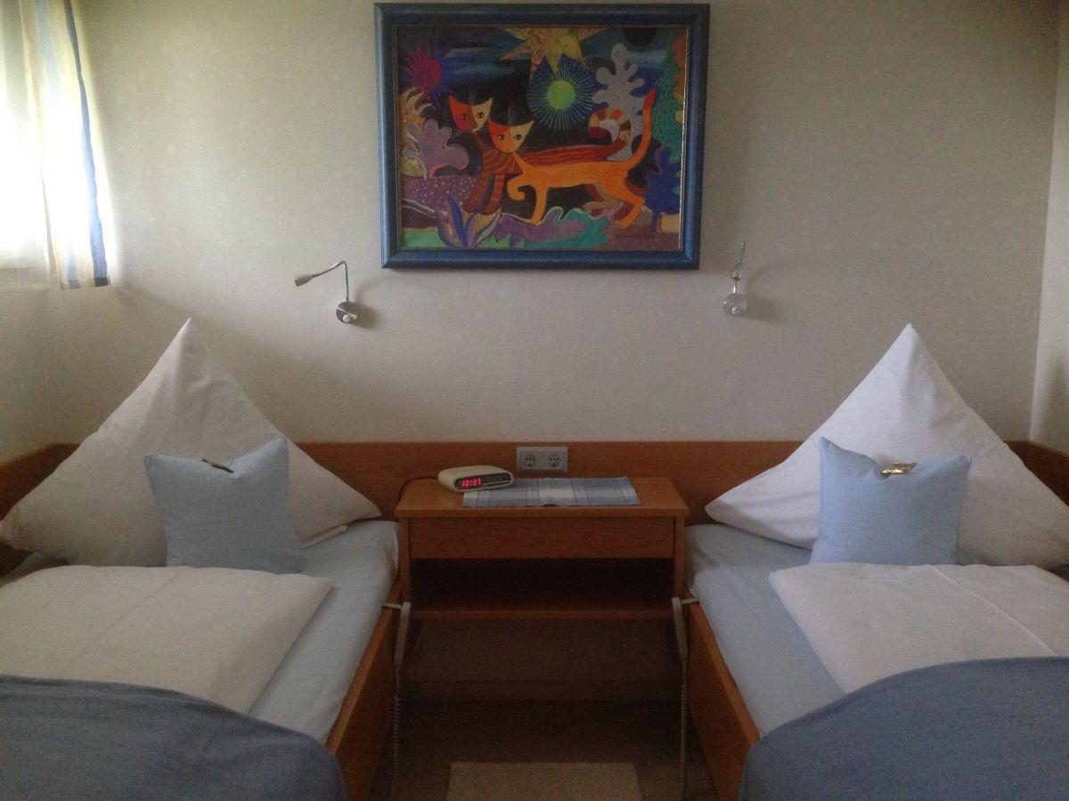 ferienwohnung im landhaus vogelweide bayerisches. Black Bedroom Furniture Sets. Home Design Ideas