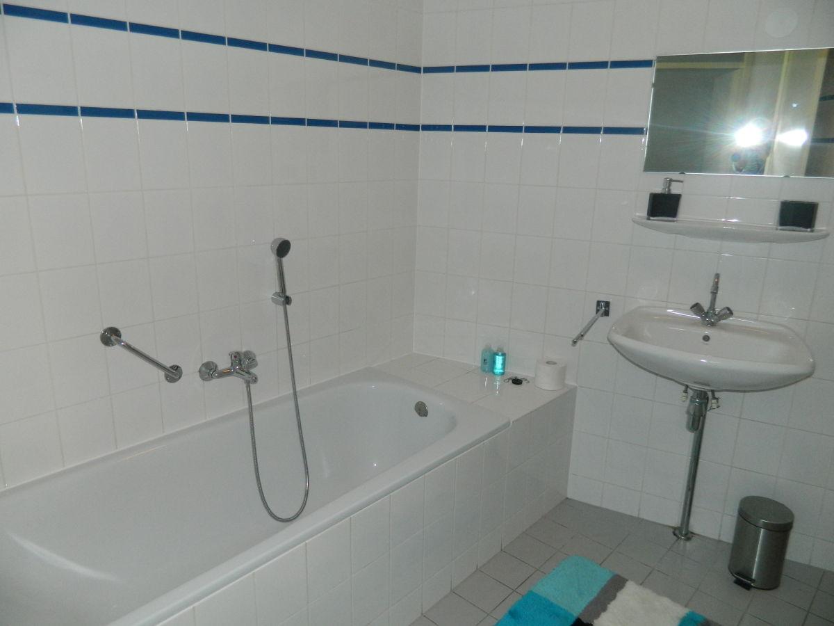 Ferienwohnung residence juliana nr 56 nord holland for Geflieste badezimmer