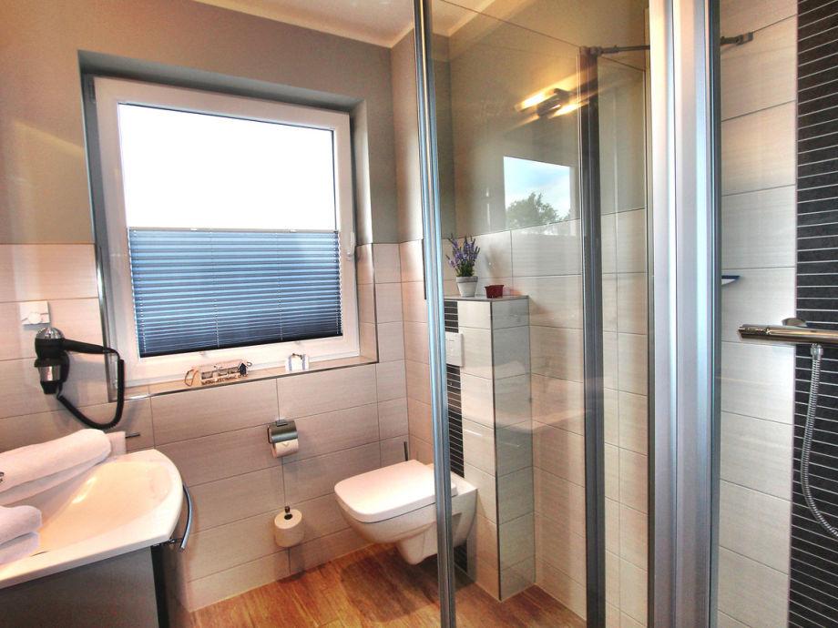 bodengleiche dusche offen 2 villa alba luxus eg ferienwohnung fleesensee meckenburgische - Bodengleiche Dusche Offen 2