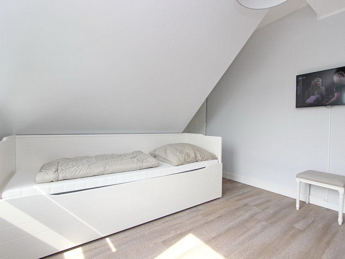 ferienwohnung 2seasons fantastic four ostsee timmendorfer strand firma b bs appartements. Black Bedroom Furniture Sets. Home Design Ideas