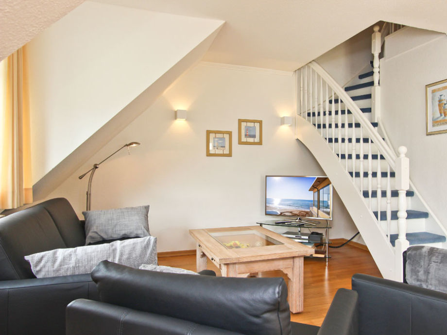 Wohnzimmer mit Flatscreen-TV