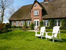 Ferienhaus Deichhüs - Das Haus gleich am Deich