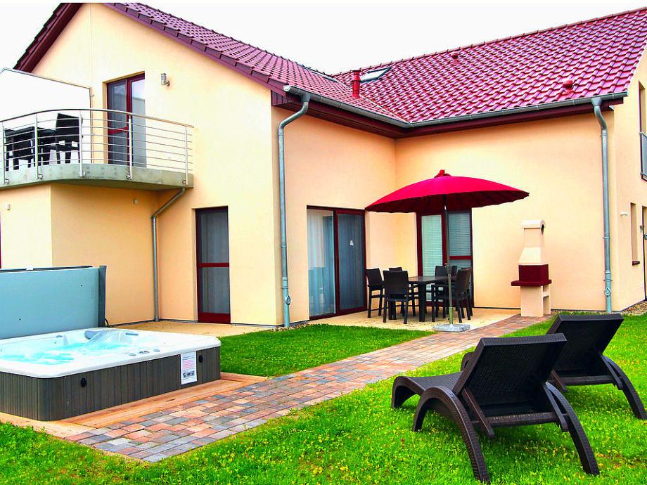 Ferienhaus Casa Cavallo mit Außenwhirlpool im Garten