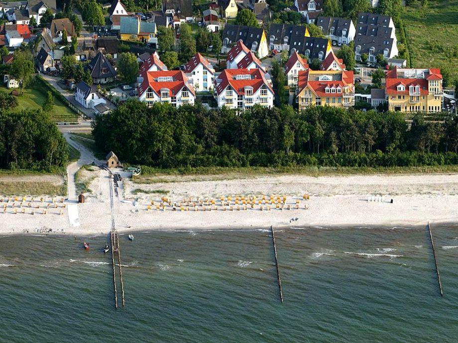 Hausansicht und Strand