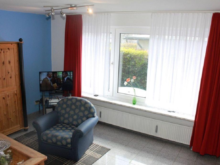 Wohnraum mit Blick auf die Terrasse