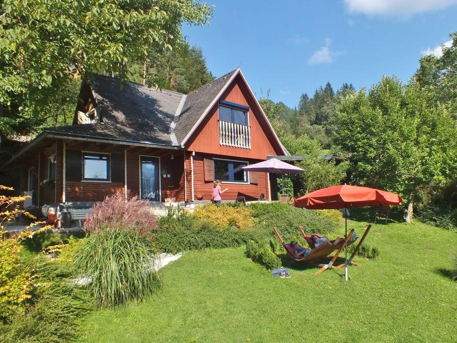 Ferienhaus mit Garten (Teilansicht)