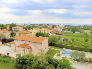 Ferienwohnung in der Swimmingpool-Villa Brioni 2