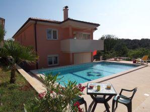 Ferienwohnung Martina in der Swimmingpool-Villa Banjole