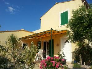 Ferienhaus Les Villas de la Garrigue im Ortsteil Roquemer