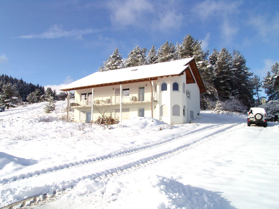 Villa zu Hausen im Winter