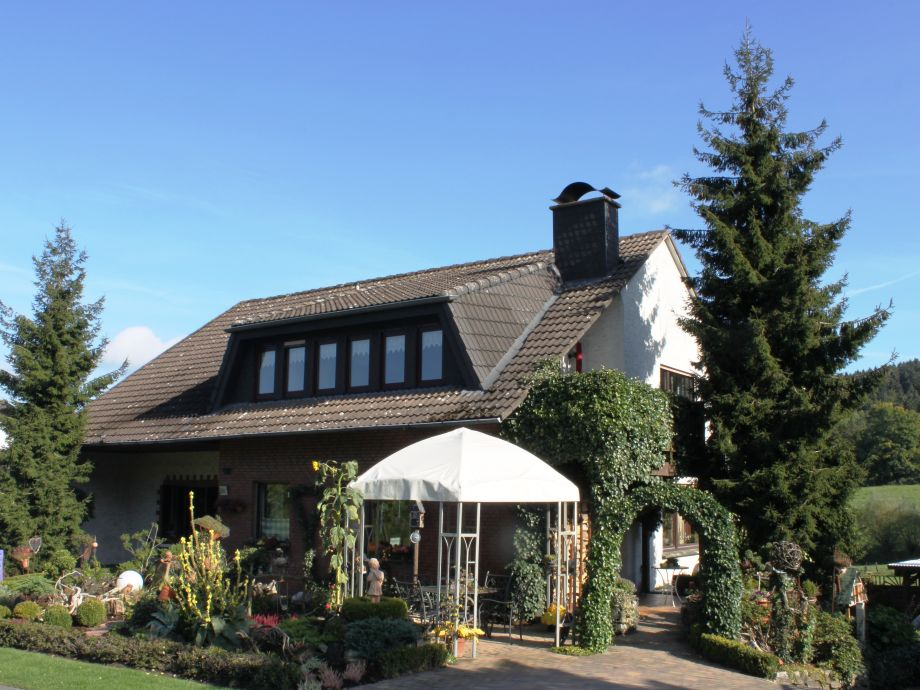 Haus Heidegarten - Loggia mit Blick in die Landschaft