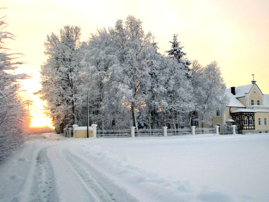 Westansicht im Winter